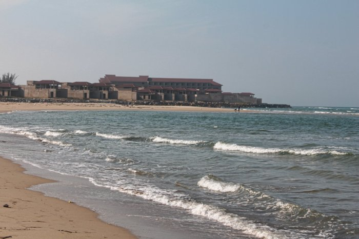 There are several of these ghost resorts along the Hoi An and Danang beaches